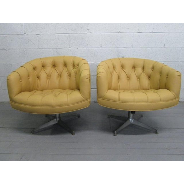1970s Pair of Ward Bennett Leather Swivel Lounge Chairs For Sale - Image 5 of 5