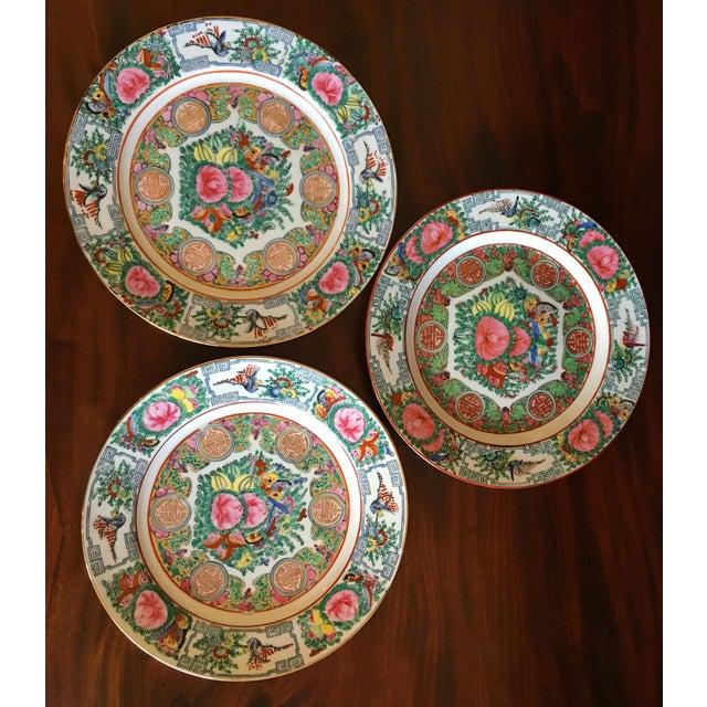 Asian Vintage Famille Rose Medallion Decorative Plates - Set of 3 For Sale - Image 3 of 13