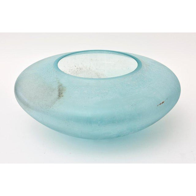 1980s Italian Murano Signed Cenedese Scavo Centrepiece Glass Bowl or Vase For Sale - Image 5 of 11