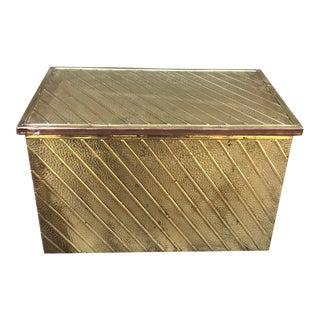 Hollywood Regency Brass Kindling Box Fireplace - Hammered Brass Sides For Sale