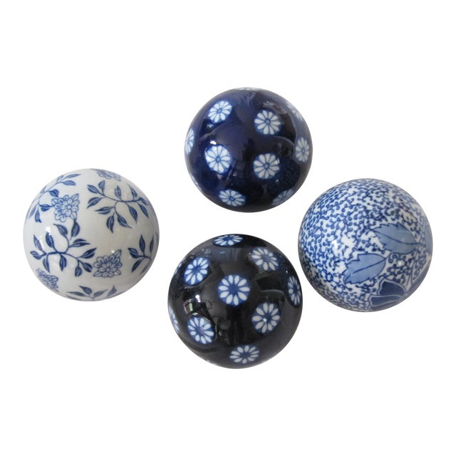 Chinoiserie Blue & White Spheres-4 Pieces For Sale