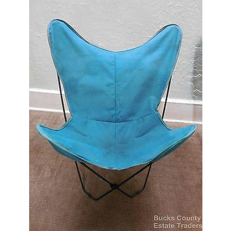 Mid-Century Modern Mid Century Modern Pair of Folding Iron & Canvas Butterfly Chairs For Sale - Image 3 of 13