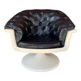 Image of Mid Century Saarinen Style Atomic Age Tufted Leather Cushioned Swivel Shell Chair For Sale