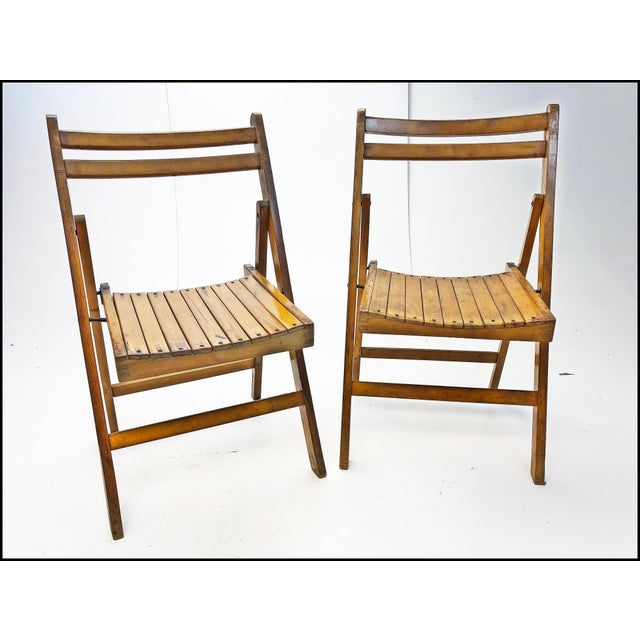 (4) Vintage Wooden Folding Chair Set. Beautiful American craftsmanship. Solid hardwood. Slat back and seat. Can hold adult...