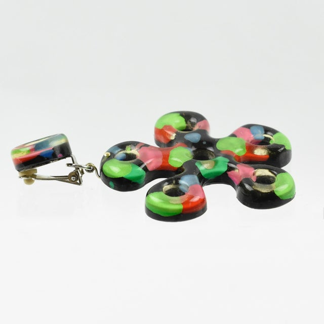 Flower Power Oversized Dangling Multicolor Lucite Clip-On Earrings For Sale - Image 4 of 6