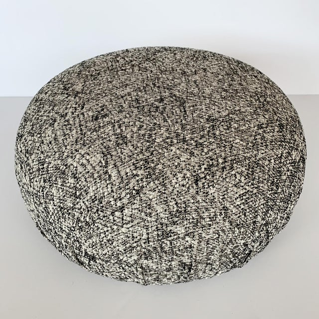 Vladimir Kagan Pair of Souffle Pouf Ottomans in Ivory, Black and Metallic Gold Fabric For Sale - Image 4 of 10
