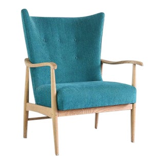 Early Blonde American of Martinsville Highback Lounge Chair in Crushed Blue For Sale