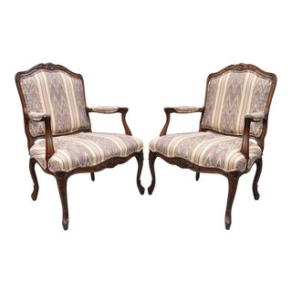 Drexel Heritage French Provincial Louis XV Style Armchairs - A Pair For Sale