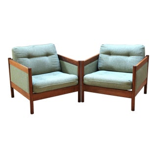 Pair of 1960s Swedish Modern Lounge Chairs by Folke Ohlsson for Dux For Sale