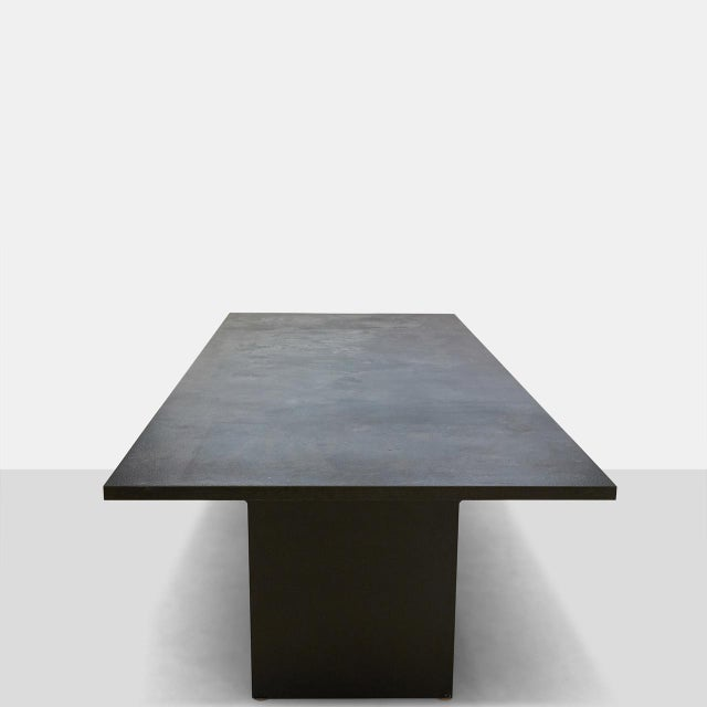 Modern AM01 Dining Table in Leathered Granite For Sale - Image 3 of 6