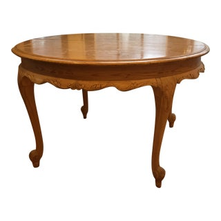 1920s French Country Farmhouse Pine Round Expandable Dining Table For Sale