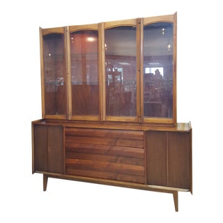 "Vintage Mid-Century Modern Lane ""First Edition"" Shark Fin China Cabinet - 2 Pieces For Sale"