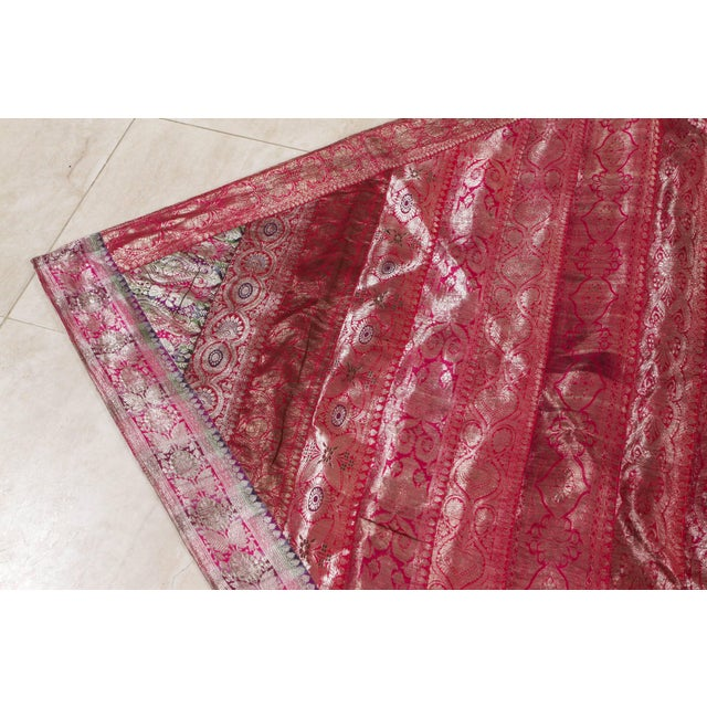 Indian Silk Sari Tapestry Quilt Patchwork Bedcover Fuchsia Color For Sale In Los Angeles - Image 6 of 10