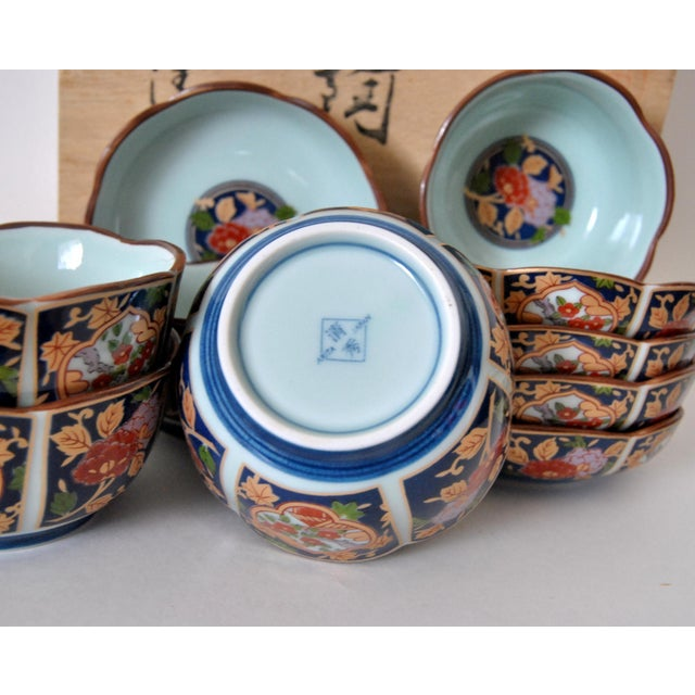 Asian Imari Cherry Blossom Tea Cups and Saucers in Hinoki Wood Box - Set of 10 For Sale - Image 3 of 9