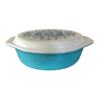1968 Promotional Pyrex Blue Doily Casserole Dish For Sale