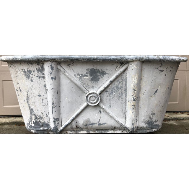 19th Century Antique French Bathtub For Sale In Savannah - Image 6 of 11