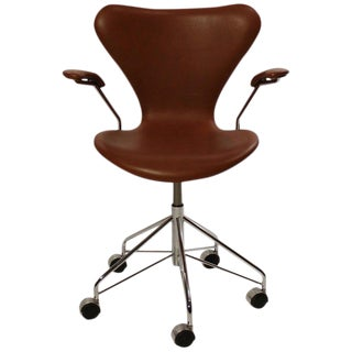 "1970s Scandinavian Modern Arne Jacobsen and Fritz Hansen ""Seven"" Office Chair For Sale"