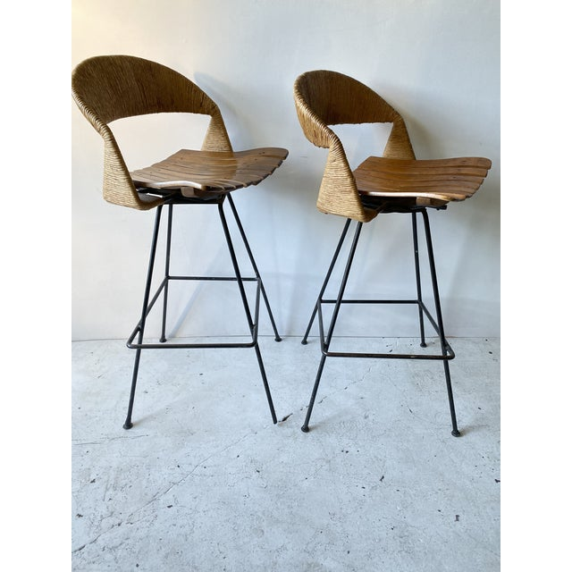 1950s Vintage Arthur Umanoff Iron Wicker Back Counter Height Barstools- A Pair For Sale - Image 5 of 11