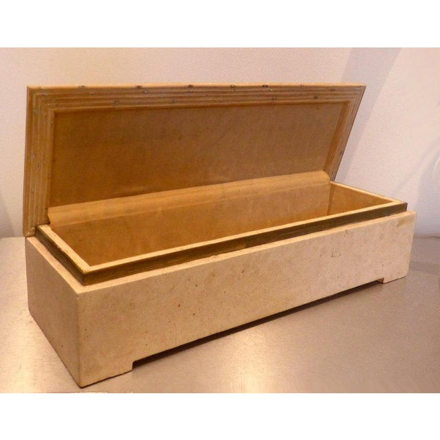 Mid-Century Modern Over-Scale Maitland-Smith Box With Fossilized Stone, Reed and Brass For Sale - Image 3 of 13