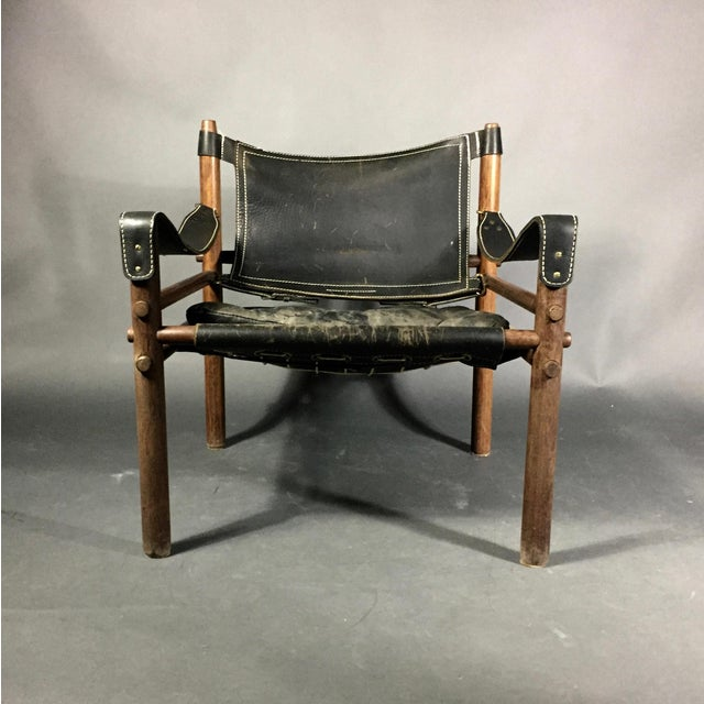 "Arne Norell Arne Norell ""Scirocco"" Safari Chair, Leather & Rosewood, Sweden For Sale - Image 4 of 12"