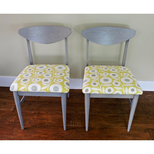 White Bassett Mid-Century Modern Retro Pattern Fabric Upholstered Dining Chairs - a Pair For Sale - Image 8 of 8