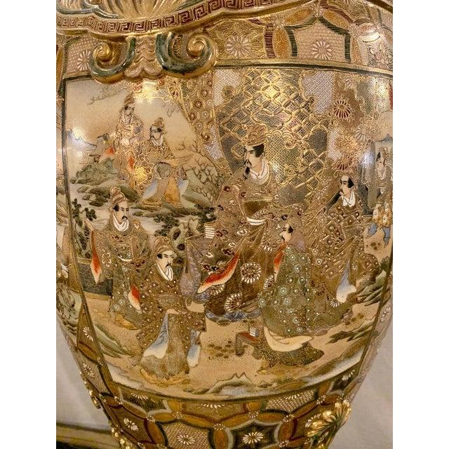 Satsuma Thousand Face Vase or Urn Palace Sized Twin Handled For Sale - Image 4 of 13