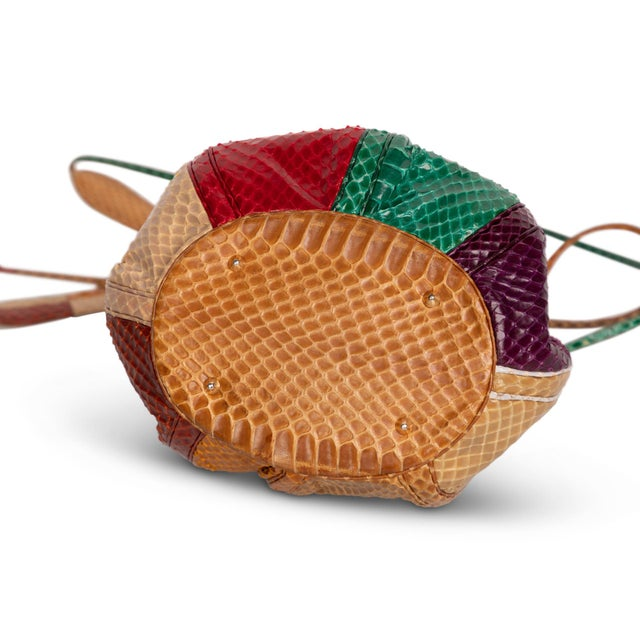 1980s Judith Leiber Multicolored Snakeskin Beach Ball Shoulder Bag For Sale In Miami - Image 6 of 8