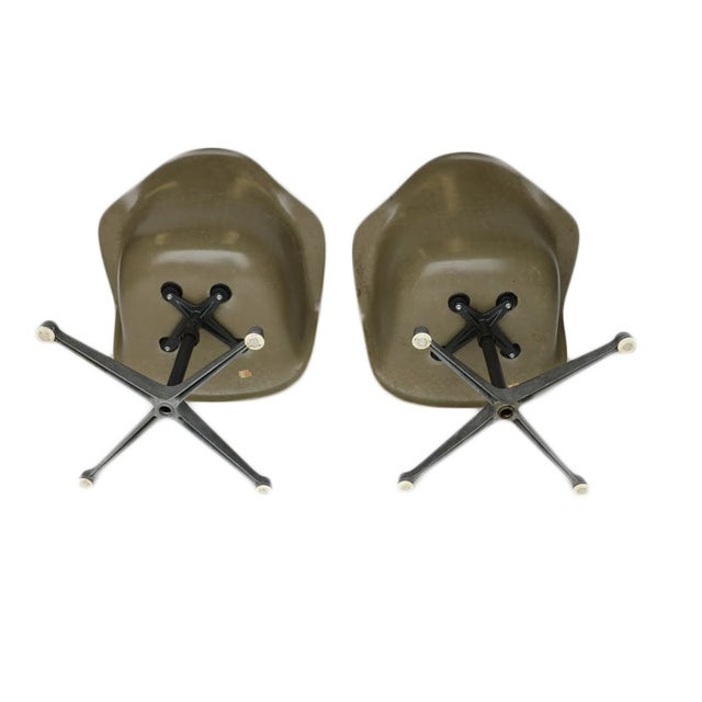 Charles Eames Bucket Swivel Chair - Pair - Image 4 of 8