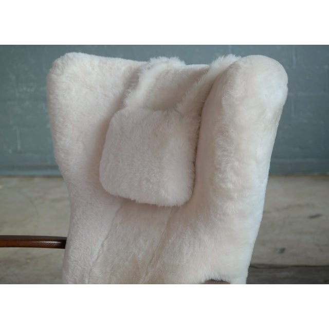 Fritz Hansen Fritz Hansen Style Lounge Chair and Ottoman Covered in White Shearling Sheepskin For Sale - Image 4 of 12