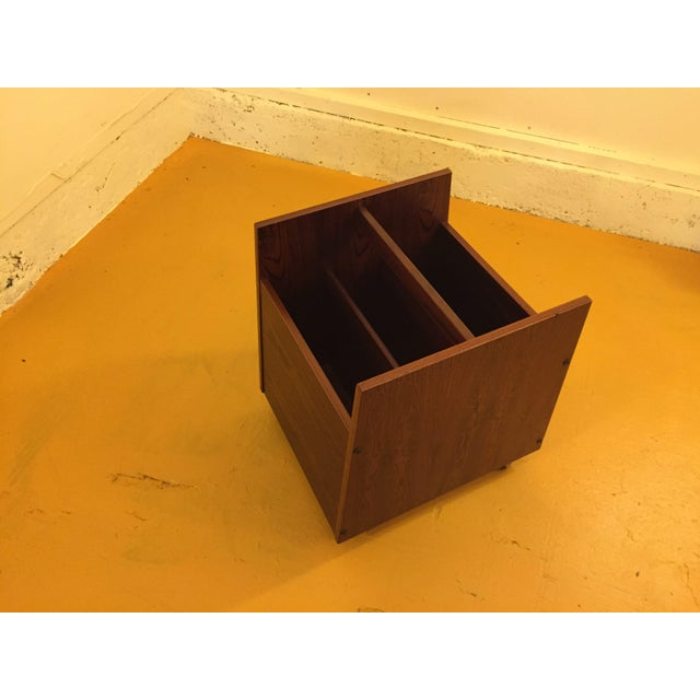 Brown Rosewood Single Rolling MCM Record Album Holder by Rolf Hesland for Bruksbo, Norway For Sale - Image 8 of 13