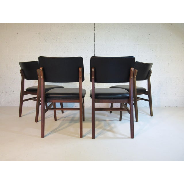 Jens Risom Series 7611 Walnut Dining Chairs For Sale - Image 4 of 10