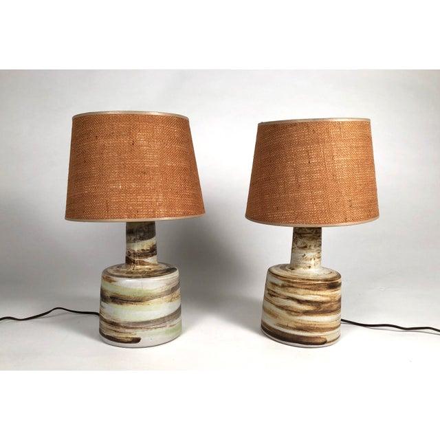 Gordon & Jane Martz Mid-Century Modern Martz Hand Painted Art Pottery Lamps - a Pair For Sale - Image 4 of 11