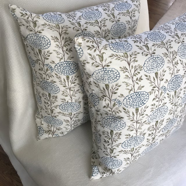"""Lisa Fine """"Samode"""" Linen Pillows- a Pair For Sale - Image 4 of 5"""