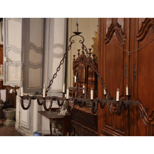 French Early 20th Century French Forged Iron Ten-Light Chandelier For Sale - Image 3 of 11