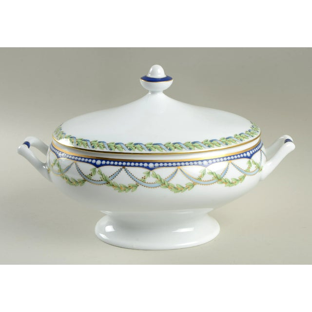 Blue Tiffany Federal Oval Covered Server For Sale - Image 8 of 8