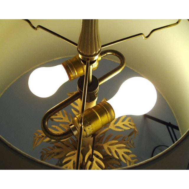 Mid-Century Palm Leaf Table Lamp For Sale In New York - Image 6 of 7