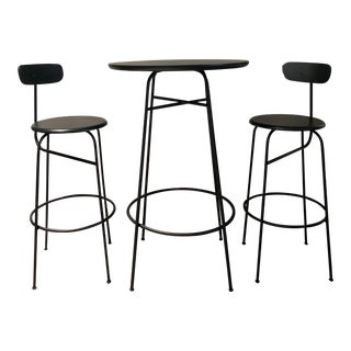 Bauhaus Afteroom Bar Table and Bar Chairs - Set of 3 For Sale