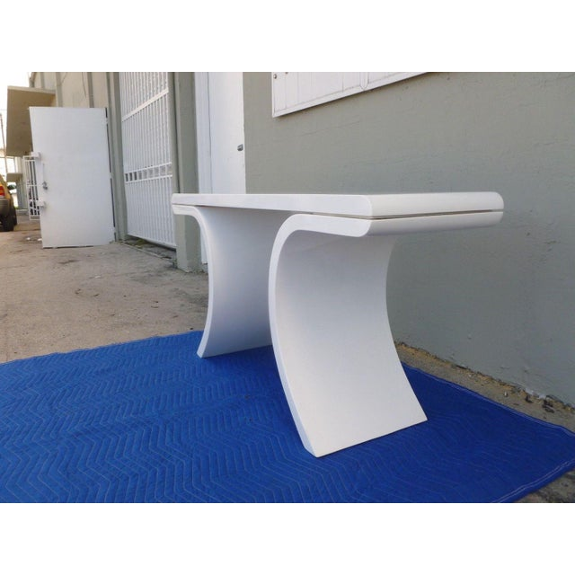 Karl Springer 1970's Mid-Century Modern White Lacquer Console Table For Sale - Image 4 of 7