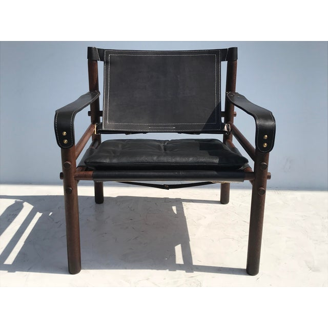 """Arne Norell Pair of Arne Norell Black """"Sirocco"""" Safari Chairs For Sale - Image 4 of 11"""