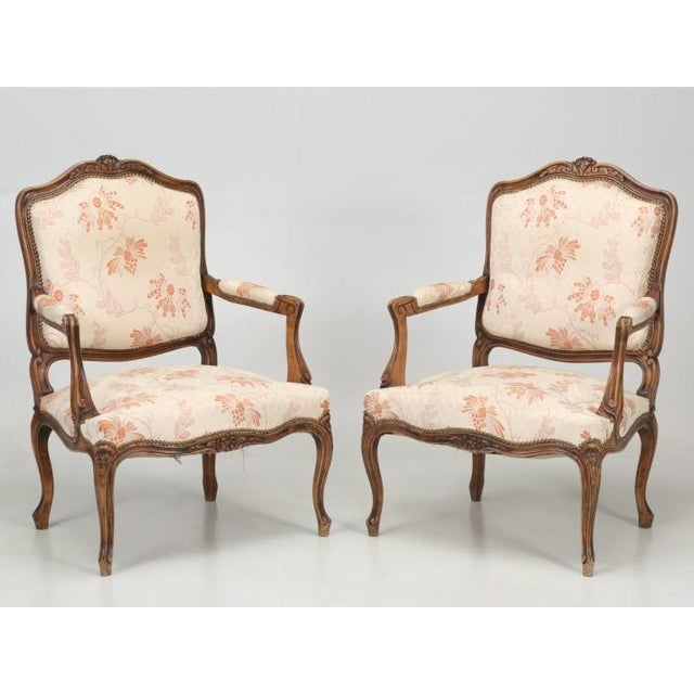 Wood Antique French Louis XV Style Pair of Arm Chairs For Sale - Image 7 of 13
