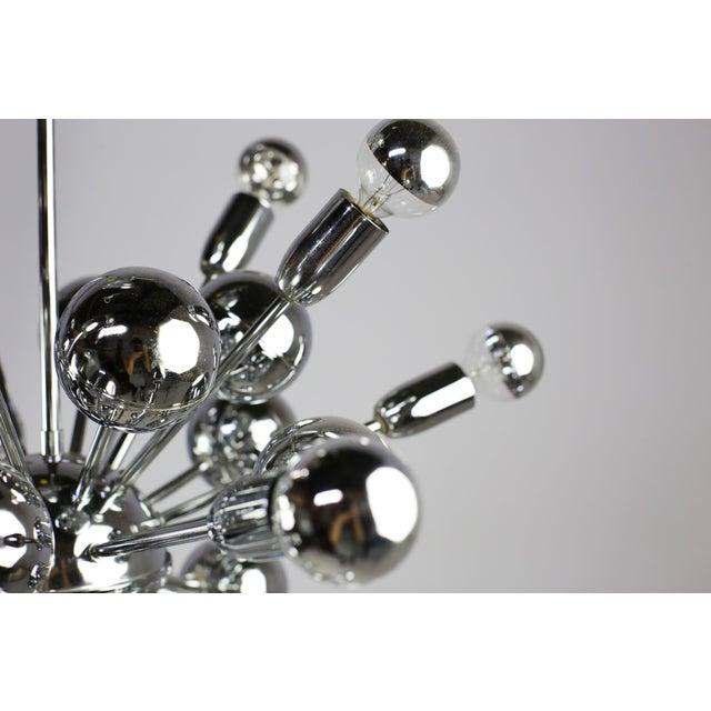 Mid-Century Lightolier 20 Light Sputnik Chandelier For Sale In Atlanta - Image 6 of 9
