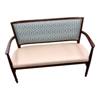 Fairfield Blue & White Transitional Settee For Sale