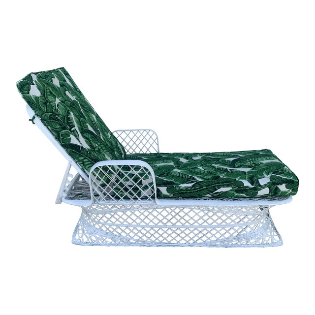 Vintage Russell Woodard Spun Fiberglass Chaise Lounge Chair For Sale