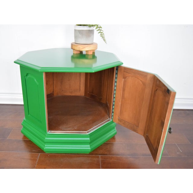 Paint Bottle Green Fine Paints of Europe High Gloss Green Side Table For Sale - Image 7 of 8