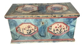 Image of Rustic Trunks and Blanket Chests