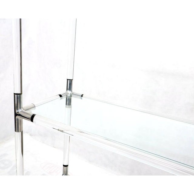 1970s Lucite and Aluminum Mid-Century Modern 5-Tier Etagere Vitrine Shelving Unit For Sale - Image 5 of 13