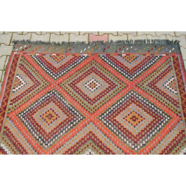 "Vintage Anatolia Turkish Hand Woven Cotton Rug - 5'5"" X 9'2"" For Sale - Image 6 of 10"