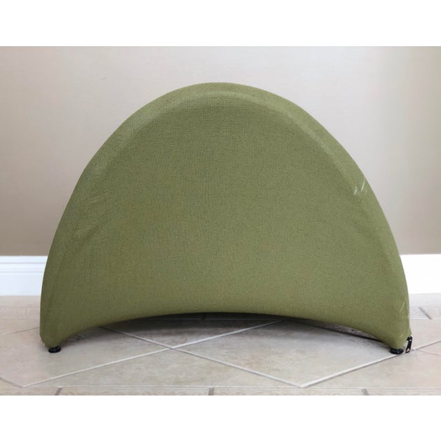Contemporary Pierre Paulin for Artifort Green and Blue Tongue Chairs For Sale - Image 3 of 12