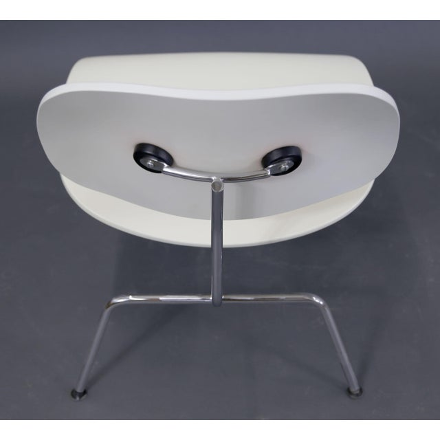 Mid-Century Modern Eames Style White Lounge Chair For Sale - Image 9 of 11