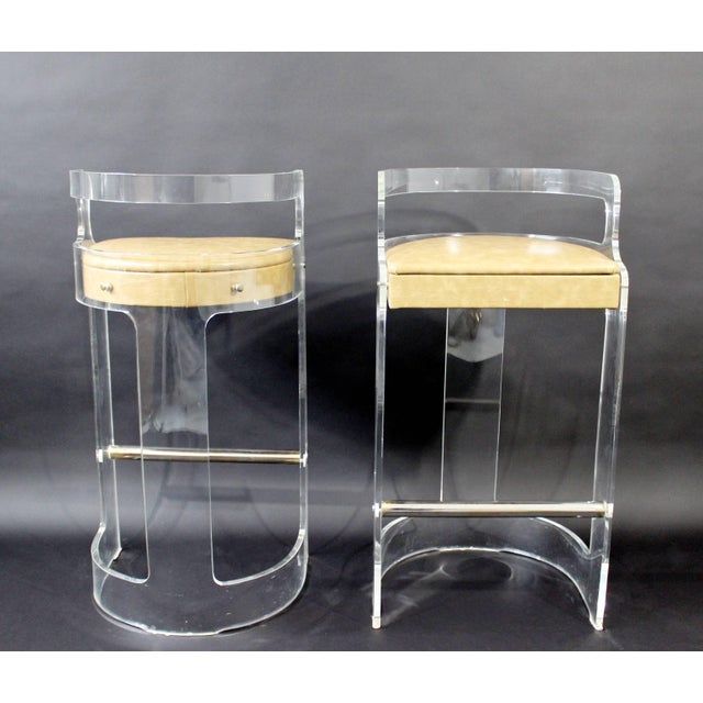 Mid-Century Modern Hill Lucite Chrome Beige Leather Bar Stools - Set of 4 For Sale In Detroit - Image 6 of 9